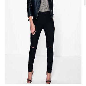 Boohoo Black ripped jeans